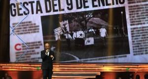 El cantautor panameño Omar Alfano se presenta en la gala en conmemoración del 100 aniversario de la puesta en marcha de las operaciones del Canal de Panamá en Ciudad de Panamá. EFE