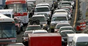 Unas 450.000 personas morirán en 2025 en accidentes en Latinoamérica y Caribe Vista de la carretera Toluca - México durante un atasco