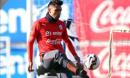 Jara se pierde el resto de la Copa América por el ataque con un dedo a Cavani El defensor de la selección chilena de fútbol Gonzalo Jara.