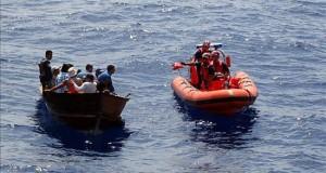 Cerca de 30 inmigrantes arriban a costas del sur de la Florida Se desconoce hasta el momento en donde embarcaron los inmigrantes, quienes posteriormente fueron puestos a disposición de la delegación local de la Patrulla Fronteriza de Estados Unidos