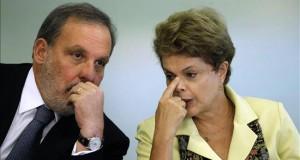 El ministro de Comercio de Brasil va a Perú y Colombia en busca de negocios La presidenta brasileña, Dilma Rousseff (d), y su ministro de Deserollo y Comercio, Armando Monteiro (i). EFE/Archivo
