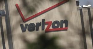 Verizon aumentó sus beneficios un 3,5 % en el primer semestre Logotipo de la operadora de telecomunicaciones Verizon en sus oficinas de Nueva York, Estados Unidos.