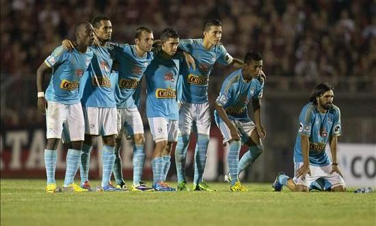Sporting Cristal, primer candidato a conquistar el torneo Apertura peruano En la imagen, jugadores del Sporting Cristal.