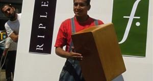 Falabella abre en Lima su tienda número 100 en Latinoamérica La empresa aspira a que la tienda supere los 80 millones de soles (25 millones de dólares) en ventas en el primer año de operación y, dado el dinamismo del público joven en la ciudad, el diseño del local tiene un enfoque en la moda femenina joven