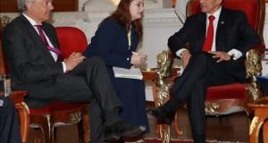 Humala y ministro belga tratan el acuerdo comercial entre la UE, Colombia y Perú Fotografía cedida por la Presidencia peruana que muestra al presidente Ollanta Humala (d) mientras se reúne con el ministro de Relaciones Exteriores de Bélgica, Didier Reynders (i), en Lima (Perú).