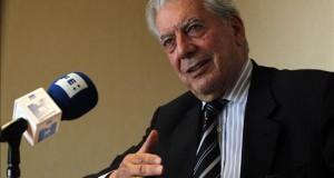Obras de García Márquez y Vargas Llosa serán traducidas al quechua en Perú El premio Nobel de Literatura 2010 y escritor peruano, Mario Vargas Llosa.
