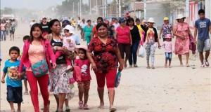 El Gobierno peruano prorroga la emergencia en 14 regiones por el fenómeno del Niño Pobladores participan en un simulacro de evacuación y atención de heridos por el fenómeno climático del Niño, este lunes 31 de agosto de 2015, en Piura (Perú).