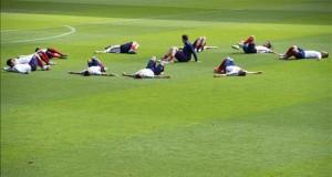 Estados Unidos buscará ante Perú recuperar la imagen perdida en la Copa Oro Jugadores de la selección estadounidense durante una sesión de entrenamiento.