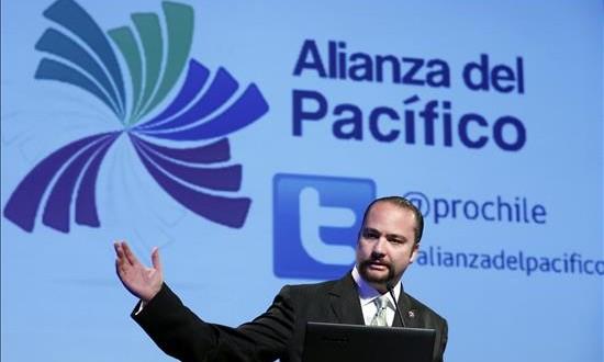 Las pérdidas en Perú por las salvaguardias de Ecuador son de 300 millones de dólares En la imagen, el director ejecutivo del Instituto de Investigación y Desarrollo de Comercio Exterior de la CCL, Carlos Posada.