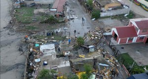 Se eleva a 10 el número de muertos por el terremoto en Chile Fotografía aérea de este jueves 17 de septiembre de 2015, de los daños ocasionados por el tsunami posterior al terremoto 8,4 en la escala de Richter en la localidad de Los Vilos, a unos 200 km al norte de Santiago de Chile (Chile).