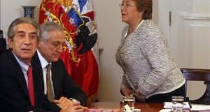 Diputado chileno califica de provocación respuesta Perú por límite terrestre Imagen del diputado chileno Jorge Tarud (i).