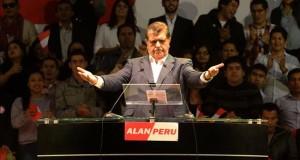 Hallan una bala con un mensaje amenazante de muerte en un mitin de Alan García El expresidente peruano Alan García.