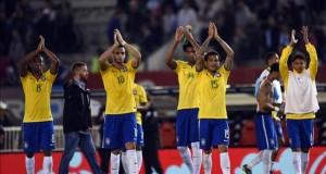 Brasil intentará mejorar su poderío ante un Perú que quiere hacer historia Jugadores de Brasil festejan luego del empate ante la seleccion de Argentina el 13 de noviembre de 2015, durante el partido entre las selecciones de ambos países, clasificatorio para el Mundial Rusia 2018, en el estadio Monumental de Buenos Aires.