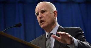 Indocumentados podrán obtener en 2016 licencias profesionales en California Los inmigrantes indocumentados en California podrán obtener licencias profesionales a partir de este 1 de enero de 2016, con la entrada en vigor de una ley estatal firmada por gobernador Jerry Brown hace más de un año.
