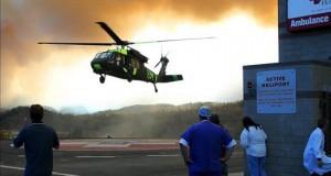 Dos helicópteros militares de EE.UU. colisionan en pleno vuelo sobre Hawái Las equipos de rescate, que están trabajando ya sobre la zona, recibieron una llamada de asistencia a las 23.38 hora local del jueves (9.00 GMT del viernes).