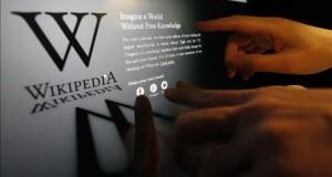 Wikipedia cumple 15 años convertida en un gigante del conocimiento compartido  Un usuario comprueba como la página en inglés de Wikipedia.