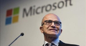 Microsoft donará 1.000 millones de dólares en servicios en la nube para una ONG El consejero delegado de Microsoft Satya Nadella.