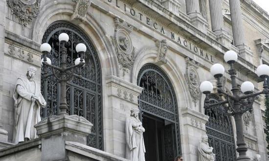 España reúne el archivo del Inca Garcilaso, primer escritor mestizo de Perú Fachada de la Biblioteca Nacional, en Madrid.