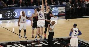 Pau y Marc Gasol, fuera del Partido de las Estrellas al año de hacer historia Los españoles Pau Gasol y Marc Gasol realizan el salto inicial de la 64 edición del Partido de las Estrellas de la NBA, en 2015, celebrado anoche en el Madison Square Garden de Nueva York