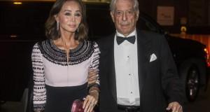 Vargas Llosa dice haber vivido el año más feliz de su vida con Isabel Preysler Isabel Preysler y el escritor peruano Mario Vargas Llosa llegan a la gala de la Hispanic Society el pasado mes de octubre en Nueva York (EE.UU.).