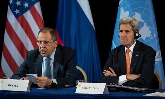 EEUU y Rusia acuerdan el cese, en una semana, de la violencia en Siri El secretario de Estado estadounidense, John Kerry (d) y el ministro de Exteriores ruso, Sergei Lavrov (i) participan tras la reunión del Grupo Internacional de Apoyo a Siria (ISSG) en Munich (Alemania).