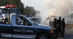 Detienen a sicario responsable de 12 asesinatos en el sur de México La policía investigadora del sureño estado mexicano de Guerrero detuvo a Santiago Hernández, autor confeso de al menos 12 homicidios y del atentado contra un periodista, informó hoy la fiscalía estatal.