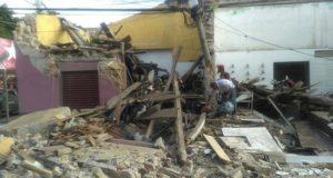 Huazolotitlán (México), 16 feb (EFE).- Los pobladores de Santa María Huazolotitlán, sureño estado mexicano de Oaxaca, que sufrieron la pérdida de sus viviendas hace a un año por un sismo de magnitud 7,2, se han dado a la tarea de reconstruir sus casas, mientras que los estudiantes caminan entre los escombros de sus escuelas.