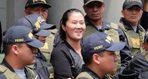 Keiko Fujimori (c), principal líder de la oposición en Perú. EFE/Archivo