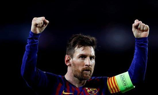 El delantero argentino del FC Barcelona Leo Messi celebra su segundo gol, tercero del equipo, ante el Olympique de Lyon, durante el partido de vuelta de los octavos de final de la Liga de Campeones. EFE