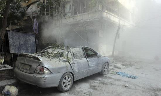 Vista de los daños producidos por el lanzamiento de un cohete en varios puntos del norte de Alepo. EFE/Archivo