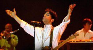 Catorce temas inéditos grabados por Prince pero que compuso originalmente para otros artistas. EFE/Archivo