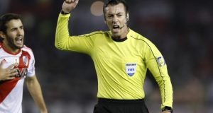 En la imagen, el árbitro brasileño Raphael Claus. EFE/Archivo