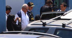 El expresidente peruano Pedro Pablo Kuczynski (3i). EFE/Archivo