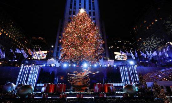 Vista del Rockefeller Center de Nueva York y su tradicional árbol de Navidad, EFE/Archivo