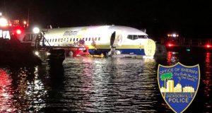 Se trata de un Boeing 737 que cubría la ruta de la Base Naval de la Bahía de Guantánamo a la Estación Aérea Naval de Jacksonville.