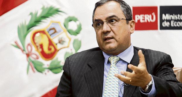 Cambios. Ministro Carlos Oliva adelanta que habrá cambios en la política económica; los cuales se materializarán en el Presupuesto Público del próximo año.
