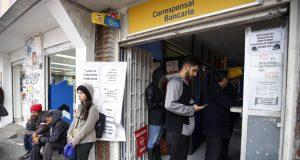 Las autoridades colombianas buscan que los venezolanos que viven en su territorio reciban los mismos beneficios laborales que los de su país para evitar la explotación.
