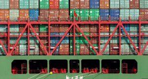 Las importaciones de bienes estadounidenses a China bajaron 31,4% comparado con el año anterior a 9.400 millones de dólares, mientras que las exportaciones al mercado norteamericano declinaron en 7,8% a 39.300 millones de dólares.