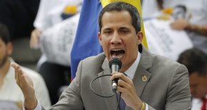 """El presidente en disputa Nicolás Maduro pidió a Diosdado Cabello iniciar una """"ofensiva"""" contra los """"traidores"""", como califica a Juan Guaidó y a los diputados del gobierno encargado, por apoyar las sanciones de EE.UU."""