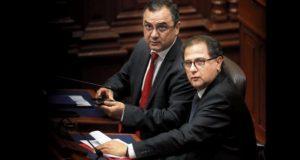 Las presentaciones de los ministros Carlos Oliva y Francisco Ísmodes en el pleno duraron 37 minutos cada una. (Foto: Hugo Pérez / GEC)