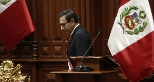 Martín Vizcarra ha dejado la puerta abierta a una cuestión de confianza, pero en el Parlamento hay voces sobre una presunta inconstitucionalidad (Foto: GEC)