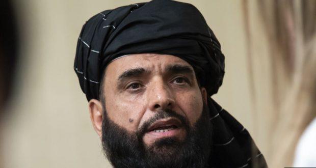 ARCHIVO - Suhail Shaheen, portavoz de la oficina política de los talibanes en Doha, habla a los medios de comunicación en Moscú, Rusia, el 28 de mayo de 2019.